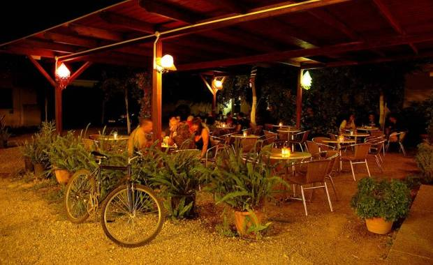 camping finikes cafe-bar